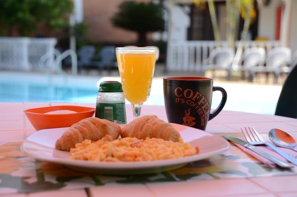 Desayuno en Melgar Villa Pepita